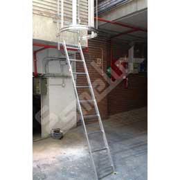 Escaleras fijas con protección espalda 2 tramos. Imagen #1