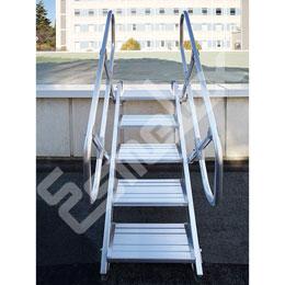 Escaleras fijas de acceso frontal. Imagen #1