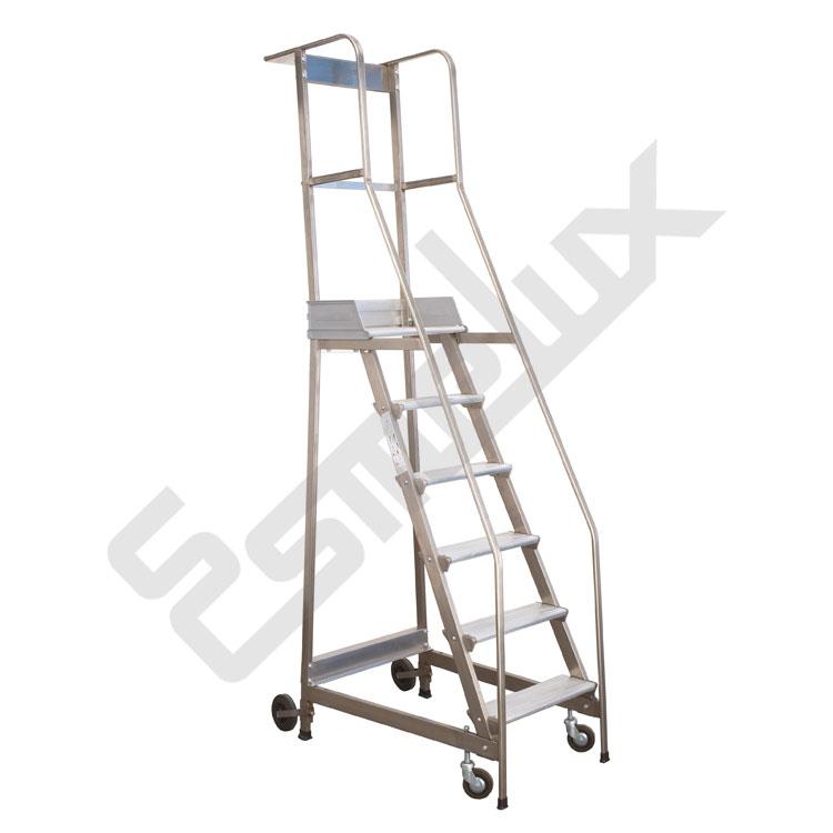 escalera de plataforma con ruedas ccbr y seguridad esmelux