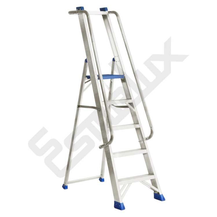 Escaleras aluminio, de tijera con barandilla NRGN. Imagen #0