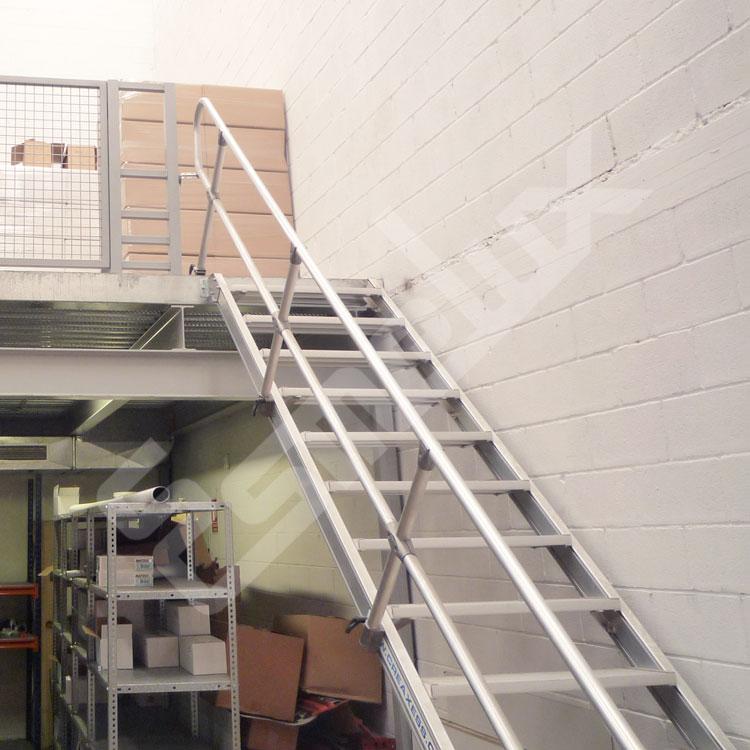 escaleras fijas de acceso frontal