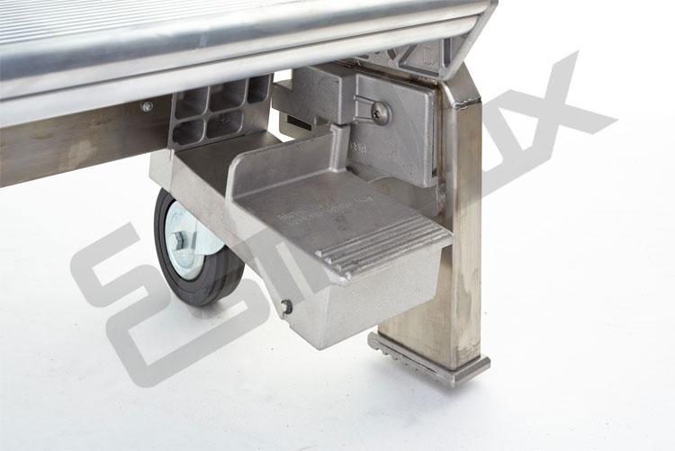 Escalera SR sobre 4 ruedas, con mecanismo de freno. Imagen #3
