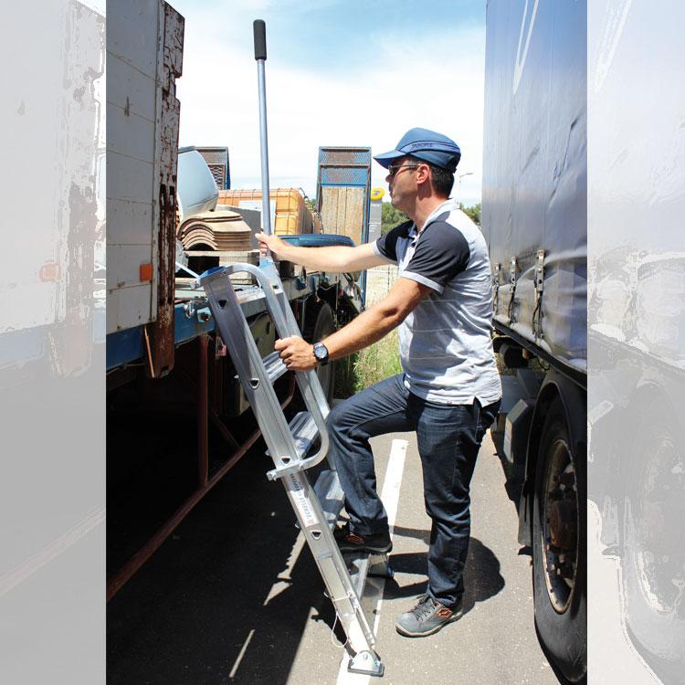 Escalera TRUCK de acceso a camiones. Imagen #6