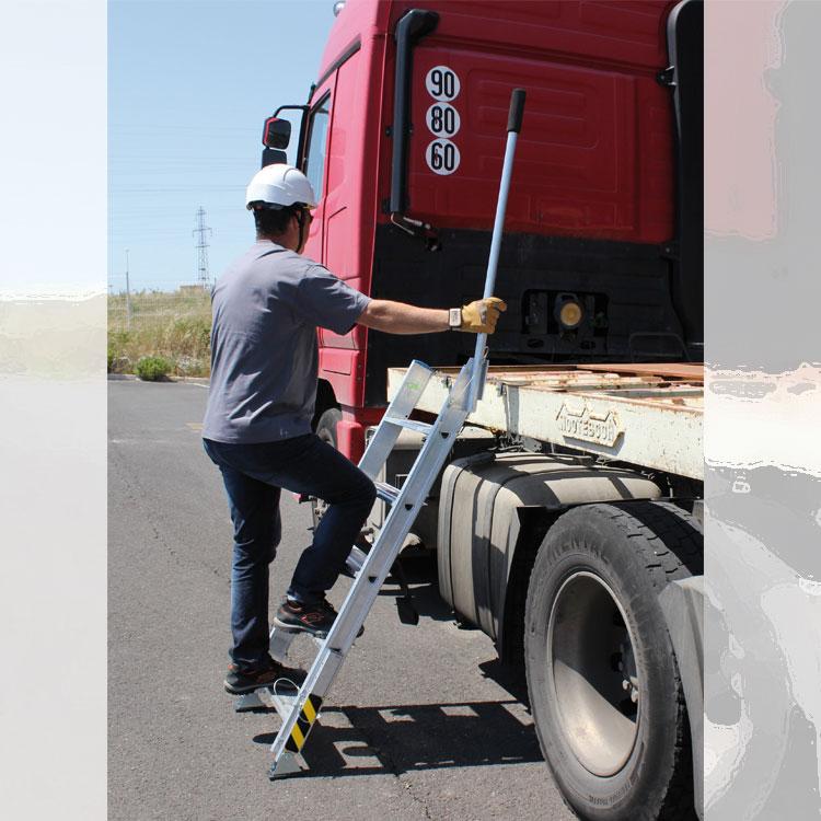 Escalera TRUCK de acceso a camiones. Imagen #5