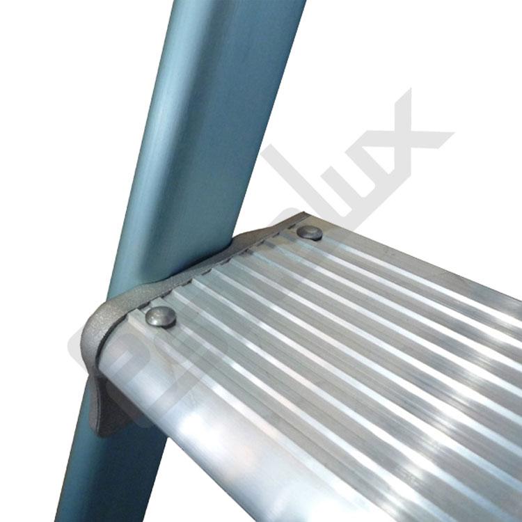 Escalera de aluminio plegable mg for Escaleras articuladas de aluminio